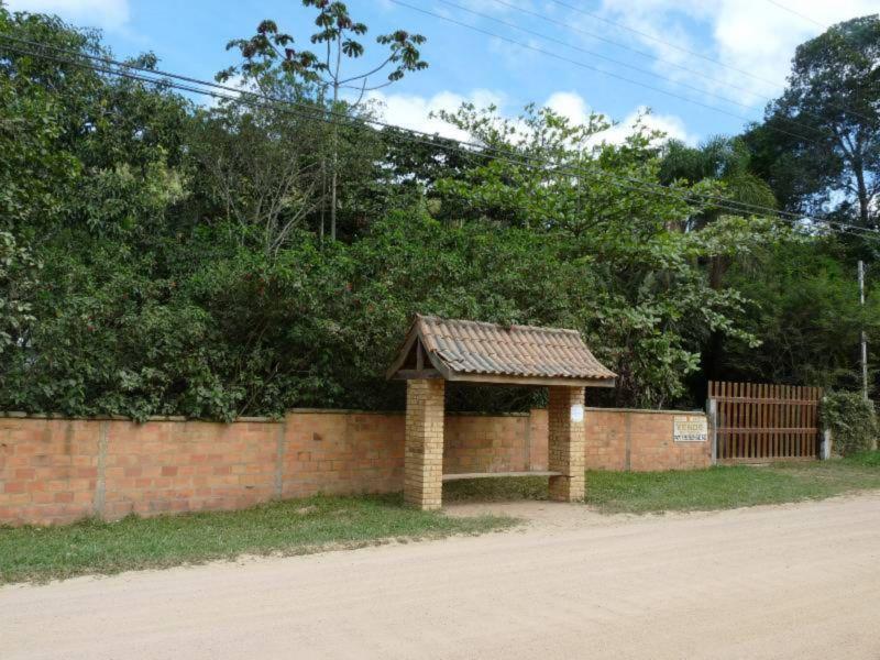 Sitio de 2 dormitórios em Praia Do Estaleiro, Sc - SC
