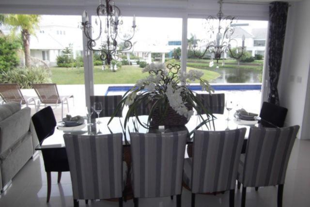 Casa de 6 dormitórios em Atlântida, Atlântida - RS