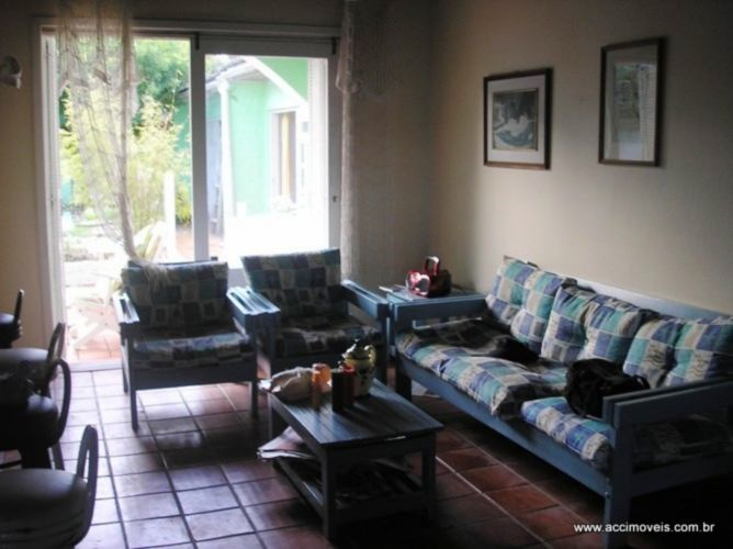 Casa de 4 dormitórios em Atlântida, Xangri-Lá - RS