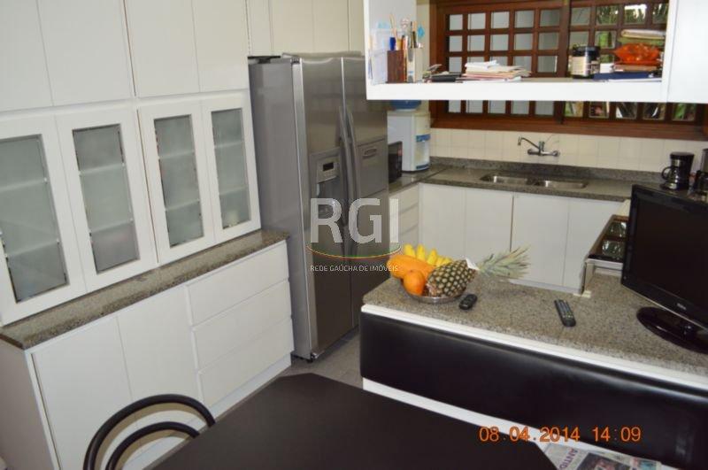 Casa de 3 dormitórios em Jardim Lindóia, Porto Alegre - RS