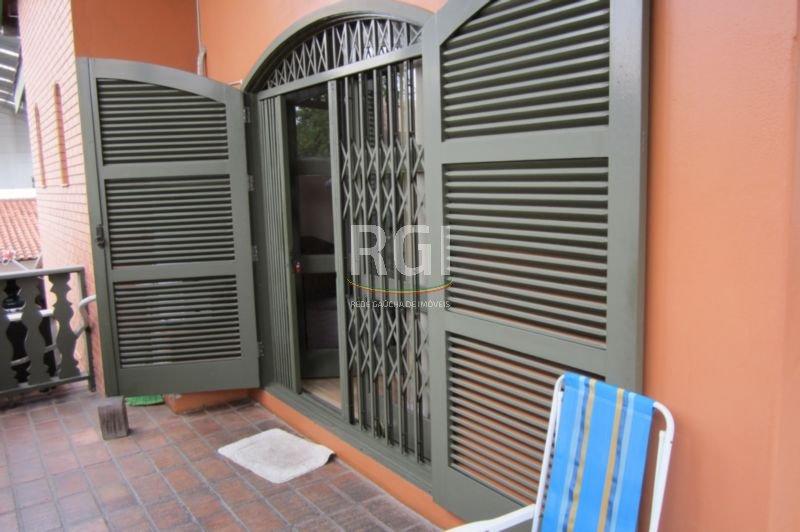 Sobrado de 3 dormitórios em Vila Ipiranga, Porto Alegre - RS